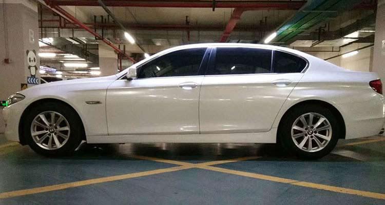 factory white chameleon car wrap